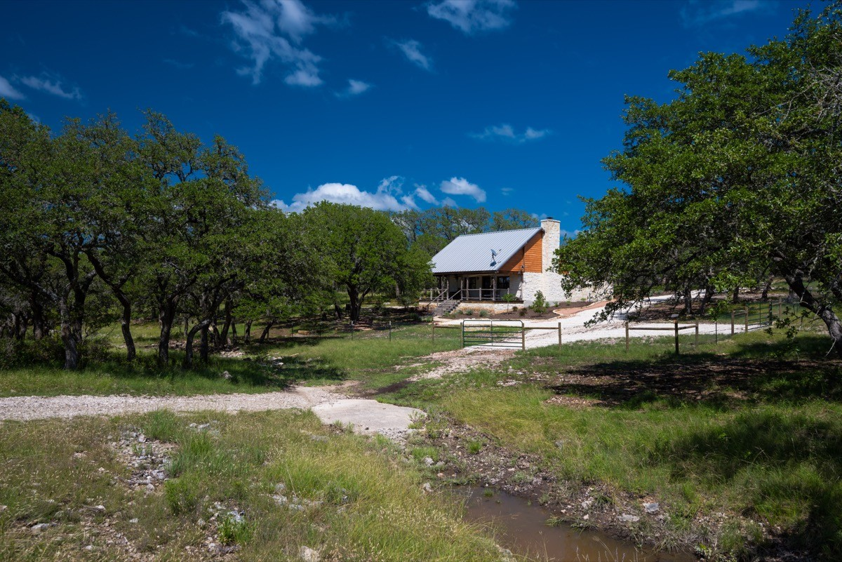 Hill country homes lots texas ranches for sale for Texas hill country houses for sale